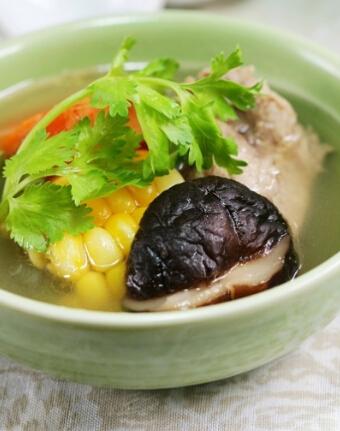 香菇玉米大骨汤